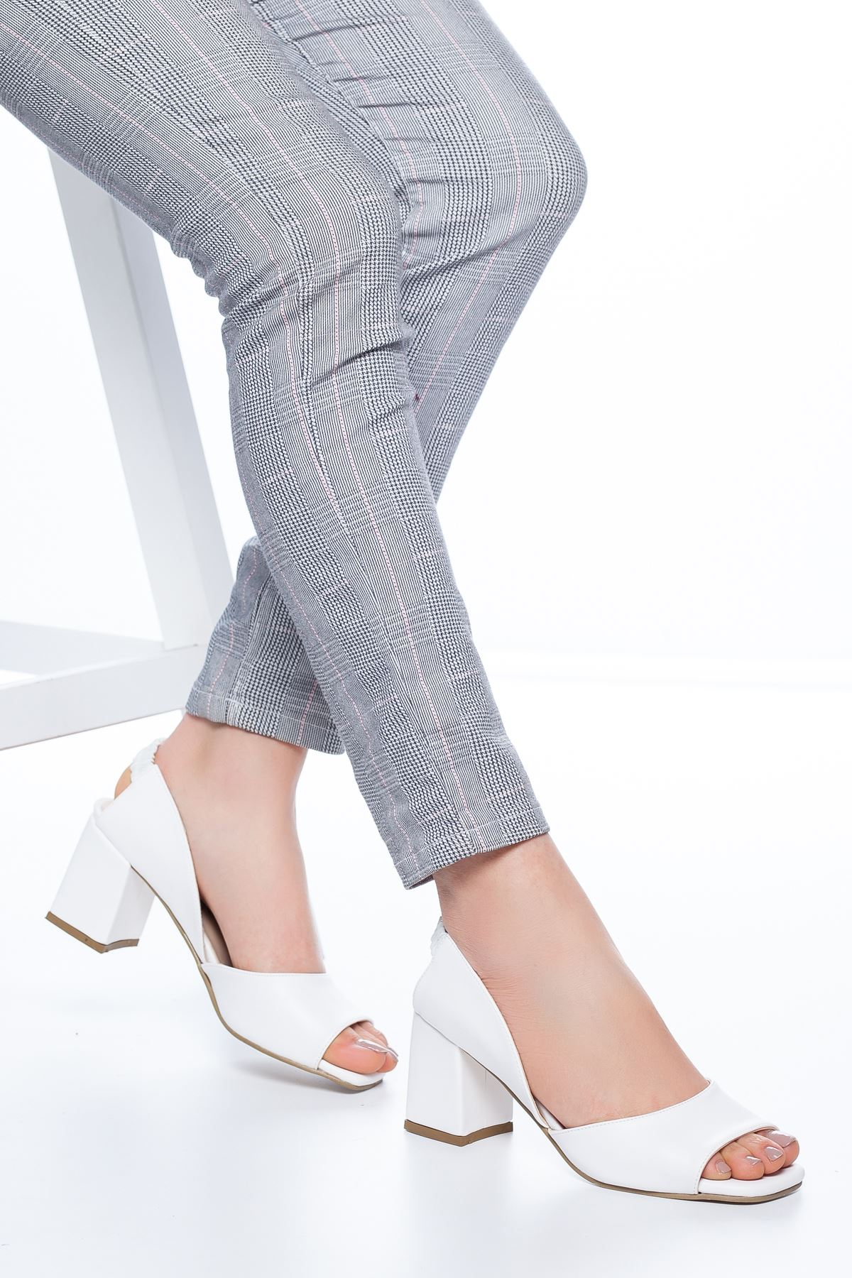 Lessia Topuklu Cilt Ayakkabı Beyaz