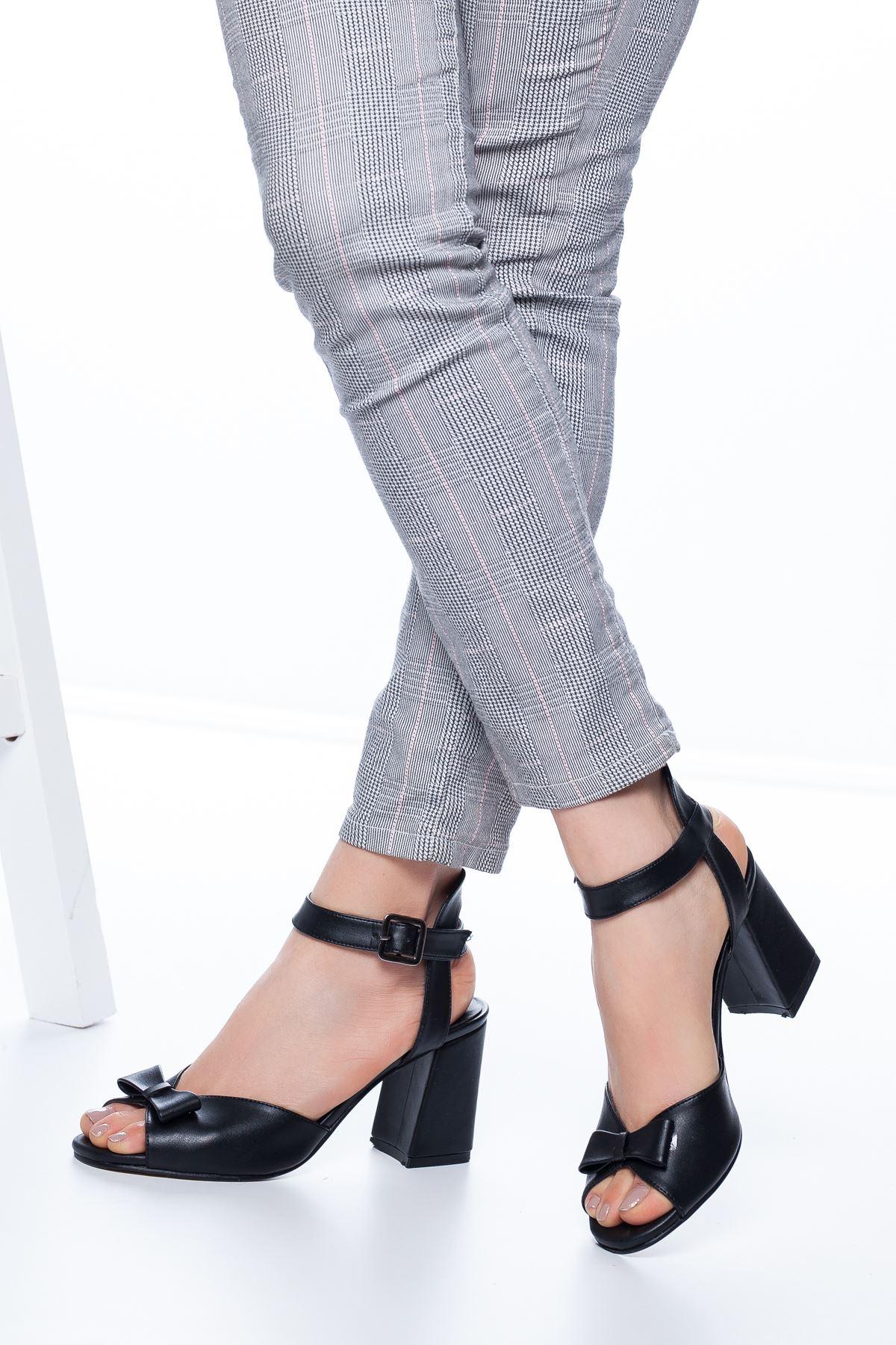 Deborah Topuklu Cilt Ayakkabı Siyah