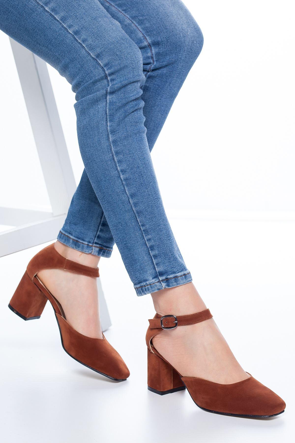 Dores Küt Burun Süet Topuklu Ayakkabı Taba