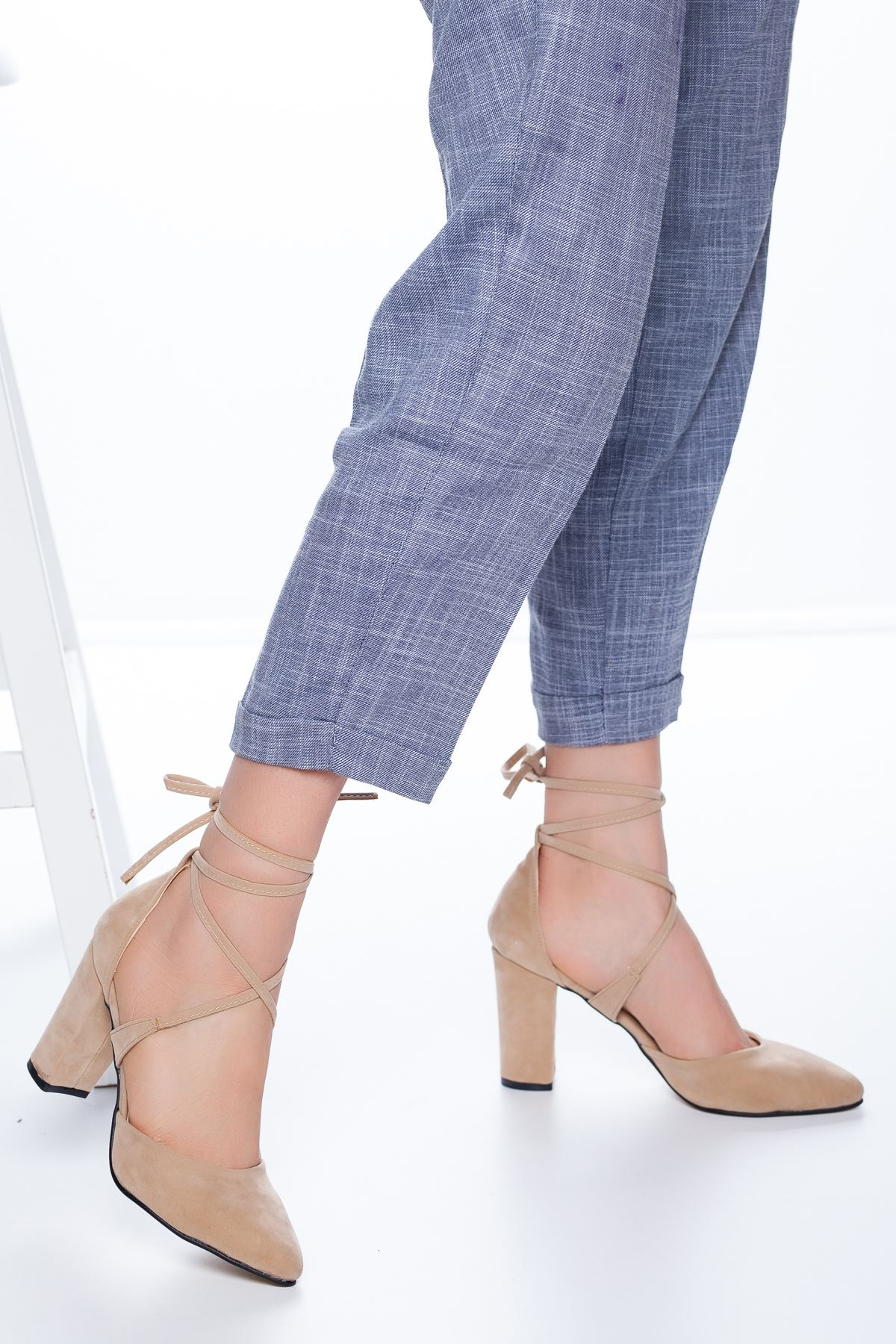 Femilla Topuklu Süet Ayakkabı Ten