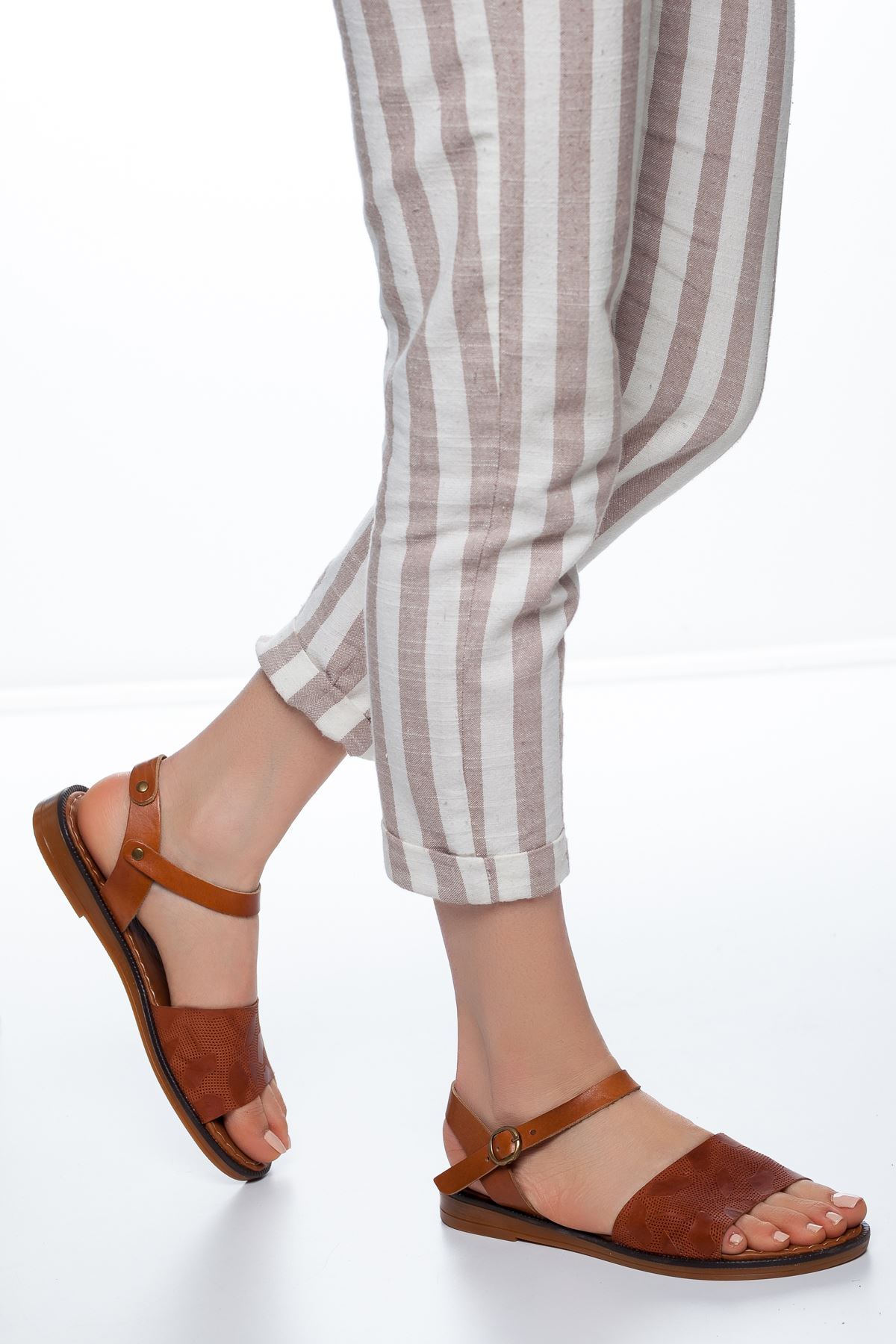 Enya Deri Sandalet Taba